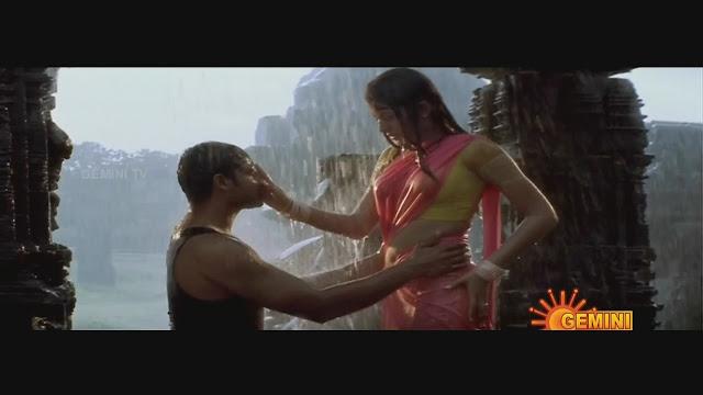 Trisha Krishnan hot