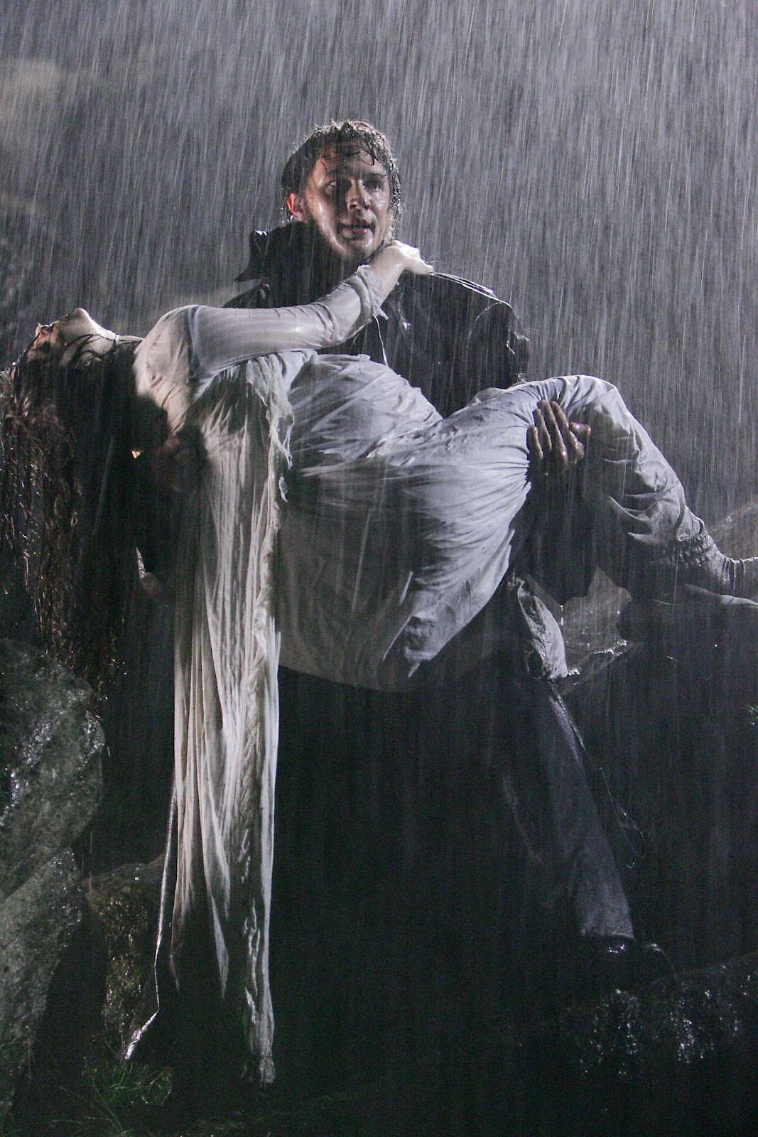 the personalities of catherine and heathcliff in the story wuthering heights Social status as an aspect in wuthering heights  in wuthering heights, catherine and heathcliff's love  the setting of the story at wuthering heights and.