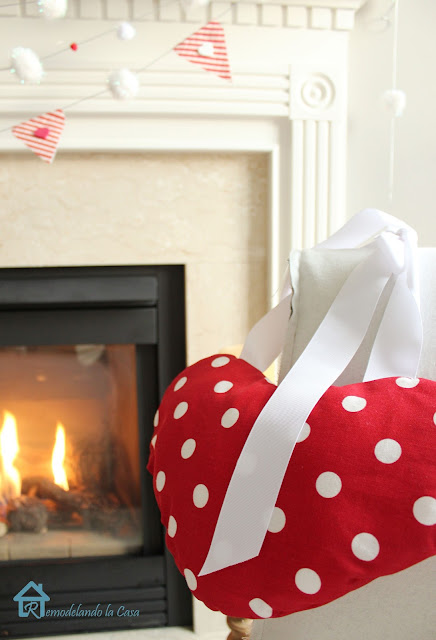polka dot fabric heart to decorate for Valentines