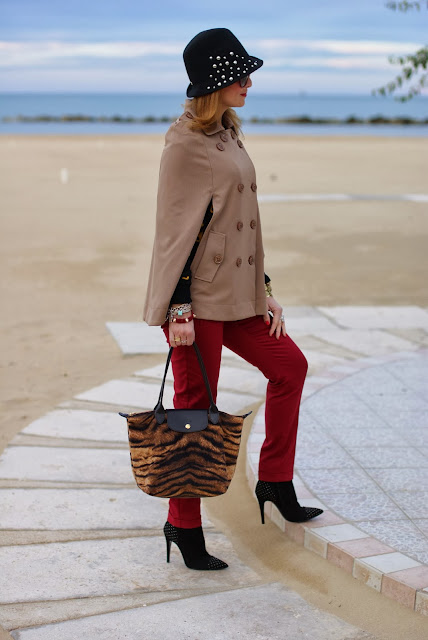 Longchamp Le Pliage tigre bag, Loriblu heels, Persunmall cape, Fashion and Cookies, fashion blogger