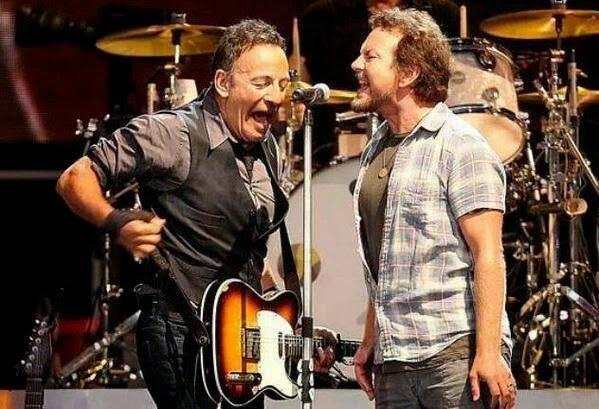 Bruce Springsteen, Eddie Vedder ao vivo