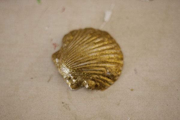 Glitter sea shell