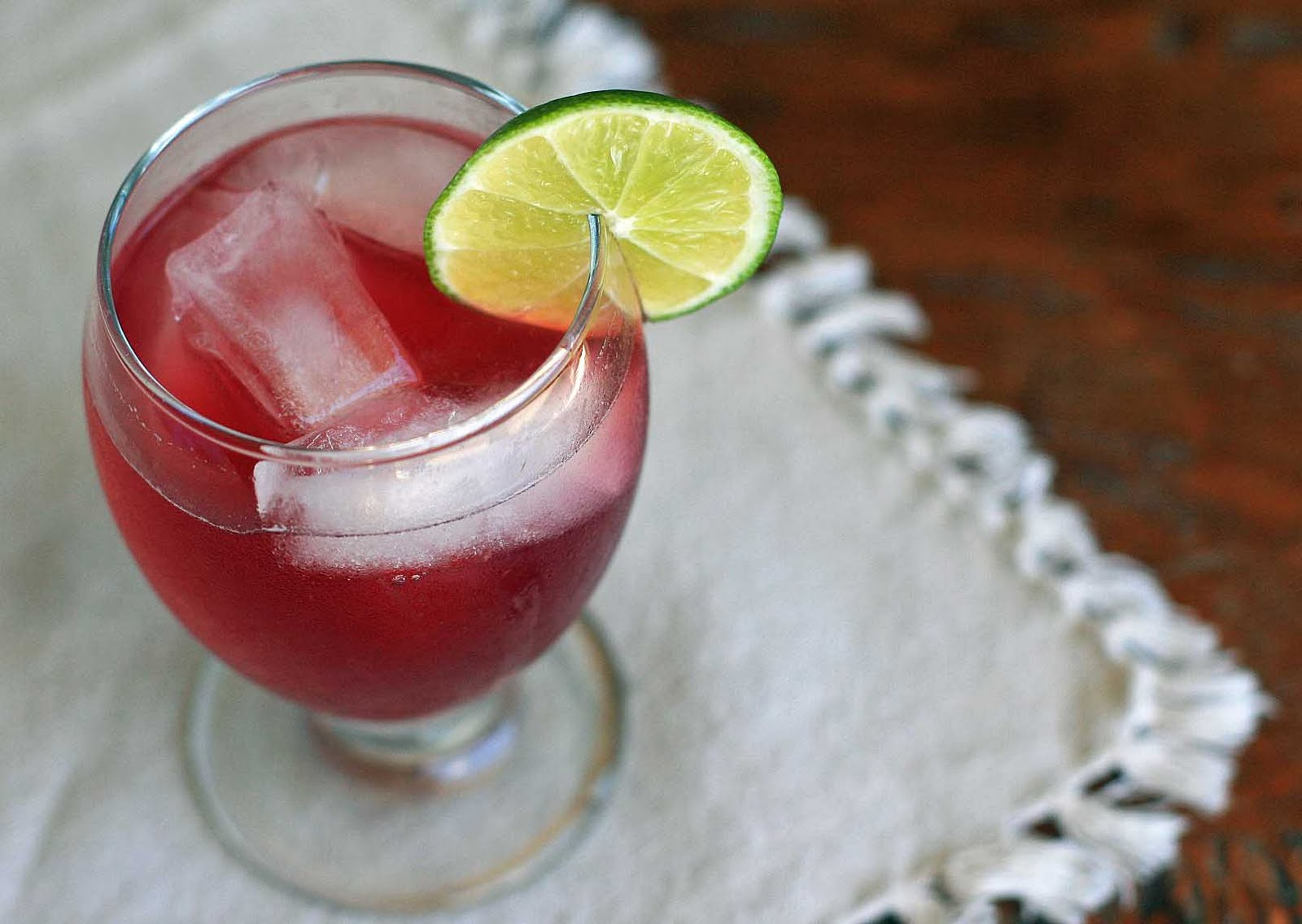 mexican red wine cooler with fresh lime