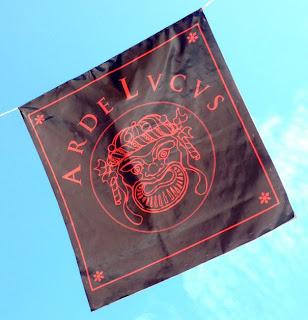 Bandera arde lucus