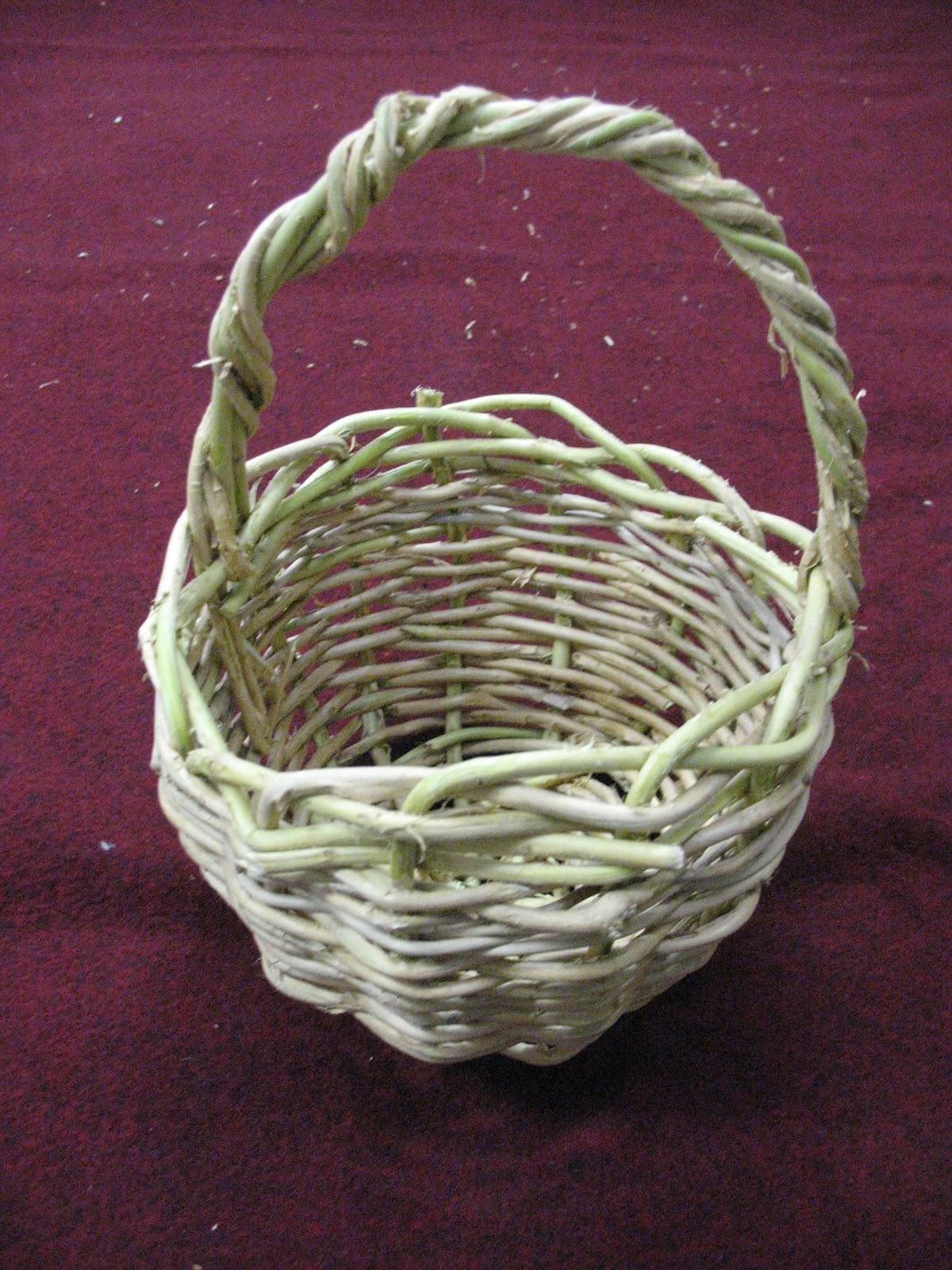 How To Make A Weave A Basket : Sensible survival make a honeysuckle basket