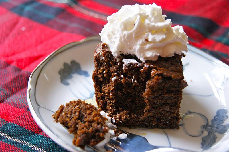 sticky gingerbread recipe black sticky gingerbread black sticky ...
