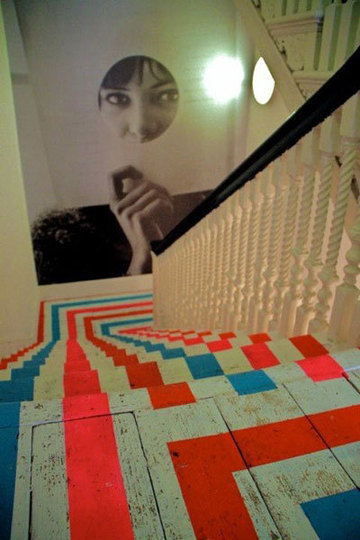 Lived in staircases don 39 t have to be boring for Apartment therapy melissa maker