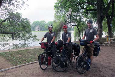 Three young Belgian engineers came to Vietnam