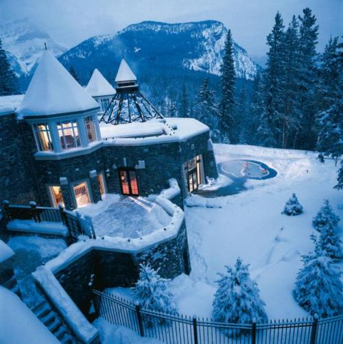 The Times New Roman Luxe Living A Wintery Welcome Home