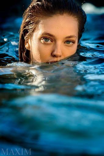 Emily Didonato hot poses in sexy bikini for Maxim magazine August 2015