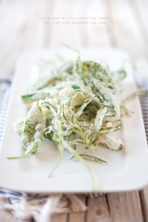 tempura di zucchine ed erbe aromatiche