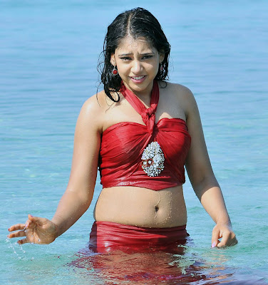Neethi taylor latest hot and wet  at beach on vaction pics