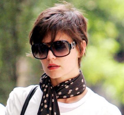 Katie Holmes Photos on Life Style   Fashion  Katie Holmes Different Hair Styles Photos