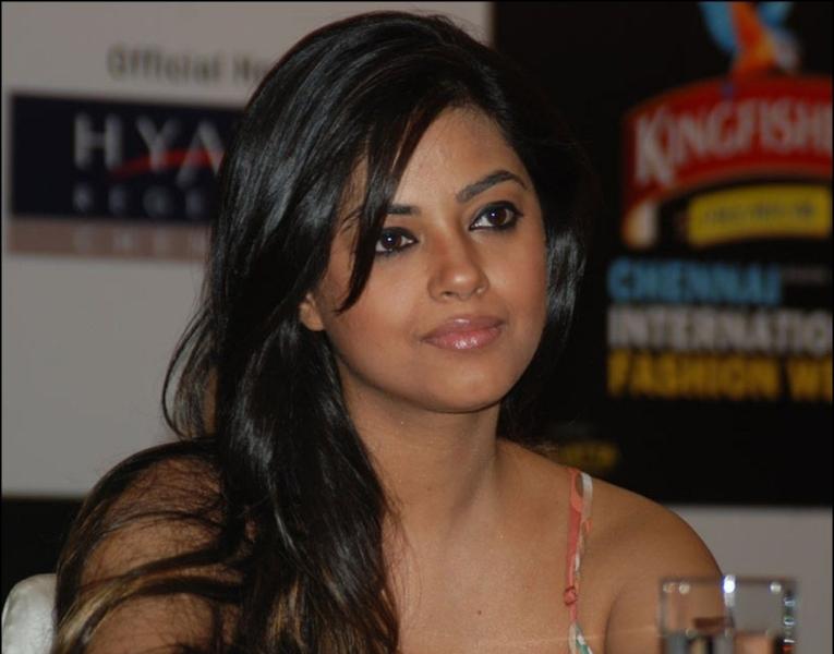 charming and fine Meera chopra at pressmeet