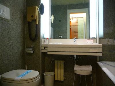 Bathroom Hotel Antares Concorde - Milano - Italy