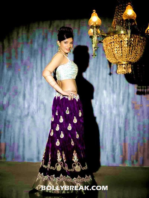 divya bhandari hot in purple - (5) - Divya Bhandari Indian outfit photo shoot