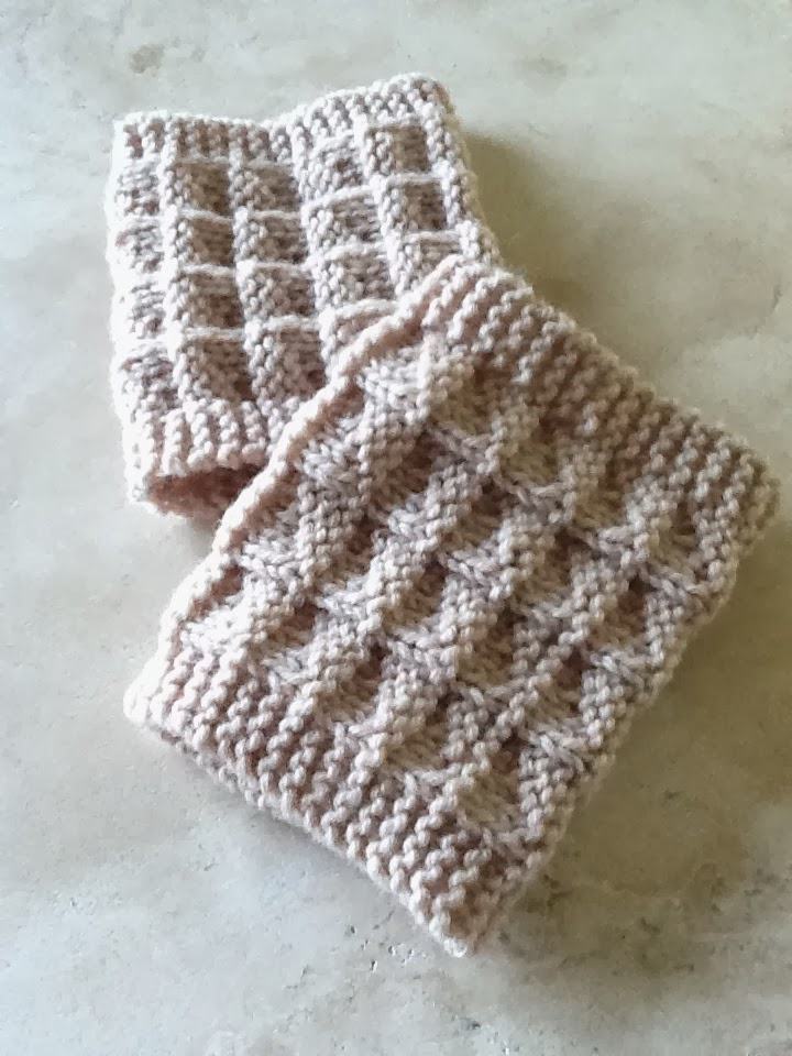 Kriskrafter: Free Knit Pattern! 2-Needle Boot Toppers / Cuffs