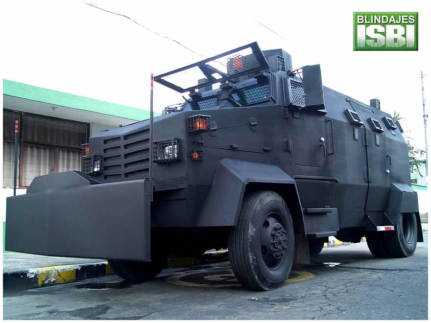 """Así era el blindado fabricado en Colombia ISBI """"Avispa"""" de la Policía Nacional de Colombia."""