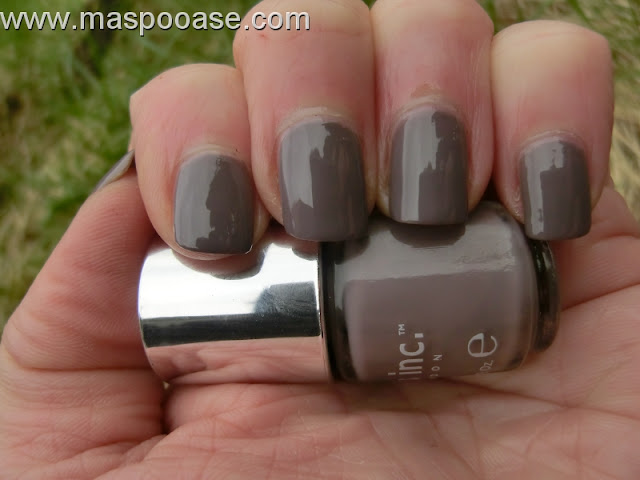 Nails Inc Cadogan Place swatch