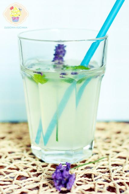 lemoniada lawendowa, przepis na lemoniade, lemoniada z lawendą