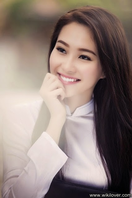Beautiful face looks like a fairy of Miss Vietnam - Dang Thu Thao
