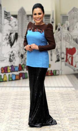 Rohana Jalil Seksi Hot Pakai Botox Ibu Kilafairy
