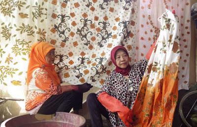 Batik Tulis Lansia Kedung Baruk Khas Surabaya