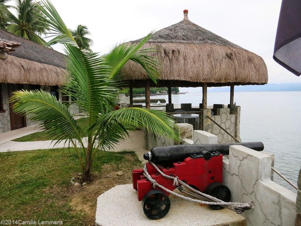 Tropico Beach Resort, cannons
