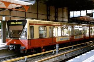 S-Bahn: Weniger S-Bahn-Züge in Berlin im Einsatz Techniker entdecken Risse in S-Bahn-Wagen, aus Berliner Zeitung
