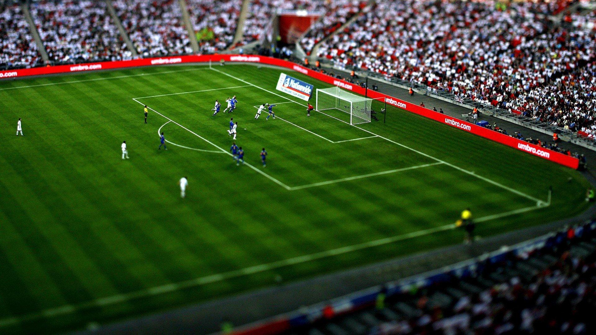 http://3.bp.blogspot.com/-nktfqc9hEh0/UA68TePy0cI/AAAAAAAAKbY/SketHBq2yWM/s1920/football-ground-hd-wallpaper.jpg