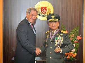 Panglima TNI terima penghargaan militer Singapura