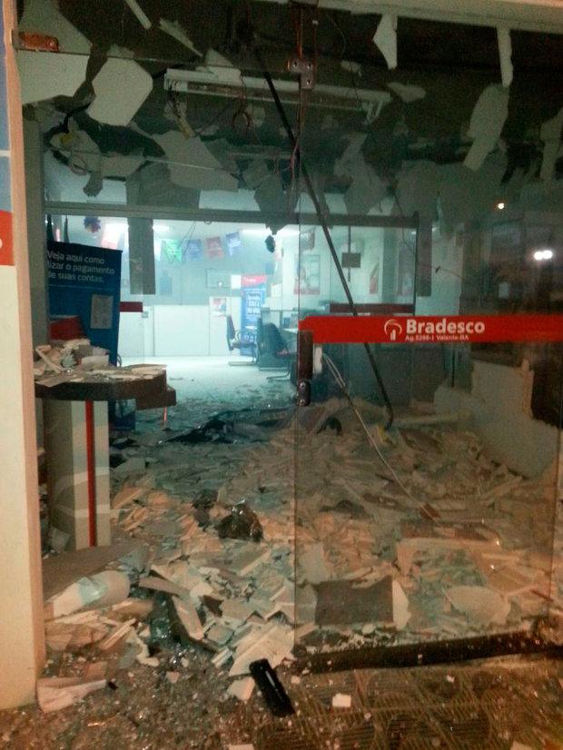 Grupo explode dois bancos e troca tiros com a PM em Valente (Foto: Divulgação/Polícia Militar)
