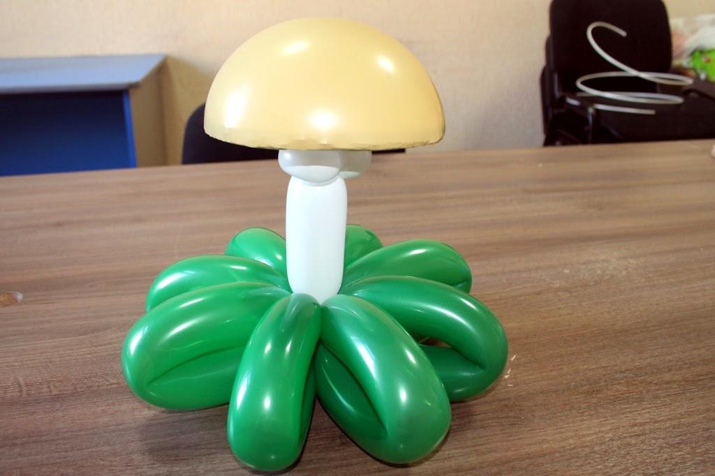 гриб из воздушных шаров