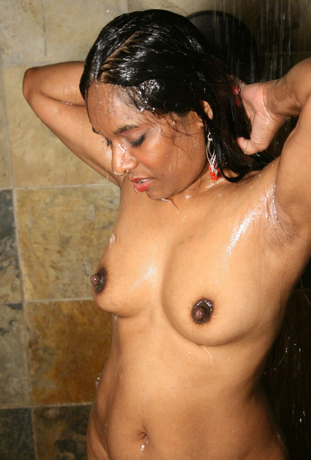 images of Hot And Nude Desi Aunty Bath Girl In