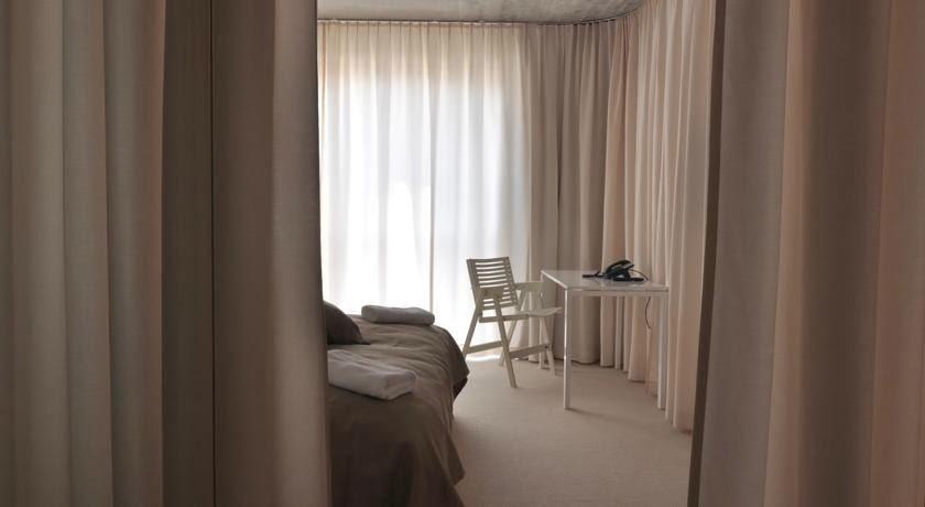 Simplicity love rex kralj collection niko kralj for Design hotel nox