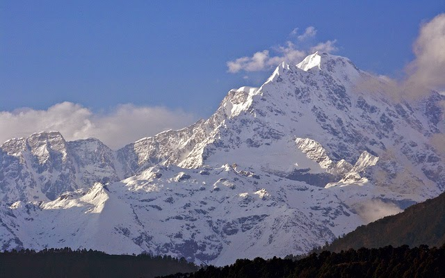 Mountain made with snowfall in chopta uttrakhand wallpapers