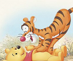 Tigger on Pooh Many Adventures of WInnie the Pooh 1977 animatedfilmreviews.filminspector.com