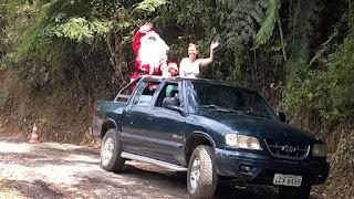 Chegada do Papai Noel na comunidade do Rincão do Vovô na Posse em Teresópolis