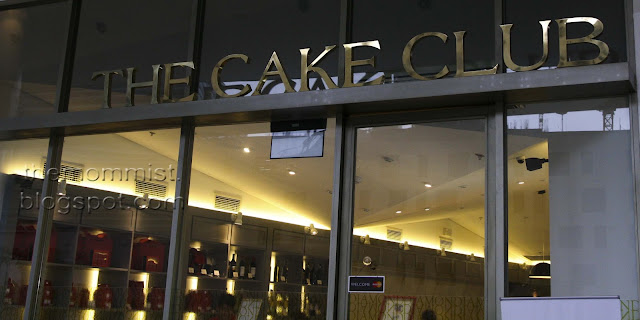 The Cake Club at Bonifacio High Street Central Signage