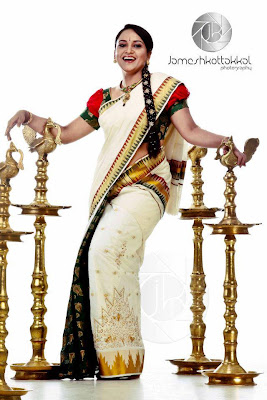 Mallu actress Lena cute in saree in new photoshoot