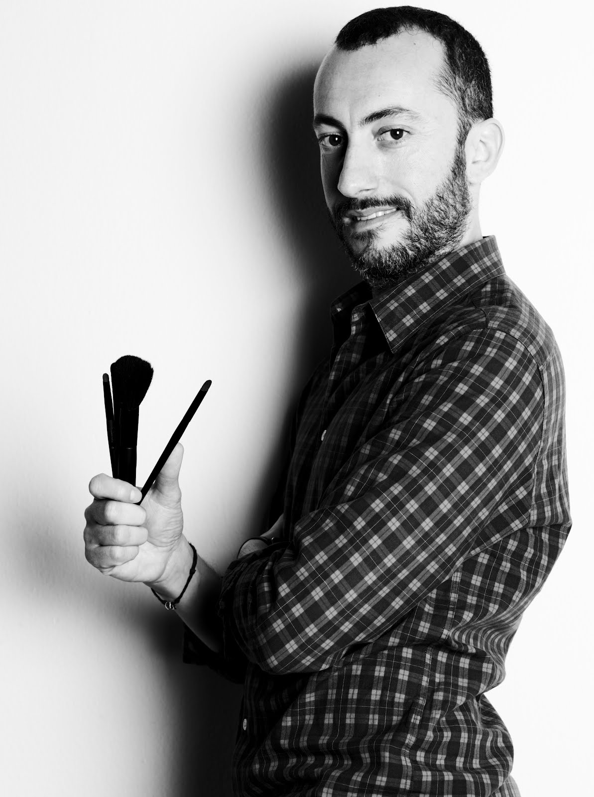Entrevista con Eduardo Jimenez maquillador oficial de YVES SAINT LAURENT en exclusiva para el blog de Cayetana