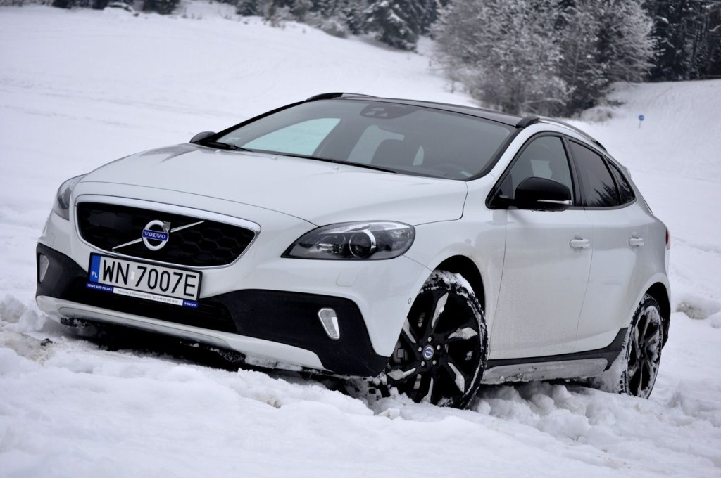 volvo v40 cross country 2013 photos car prices photos specs. Black Bedroom Furniture Sets. Home Design Ideas
