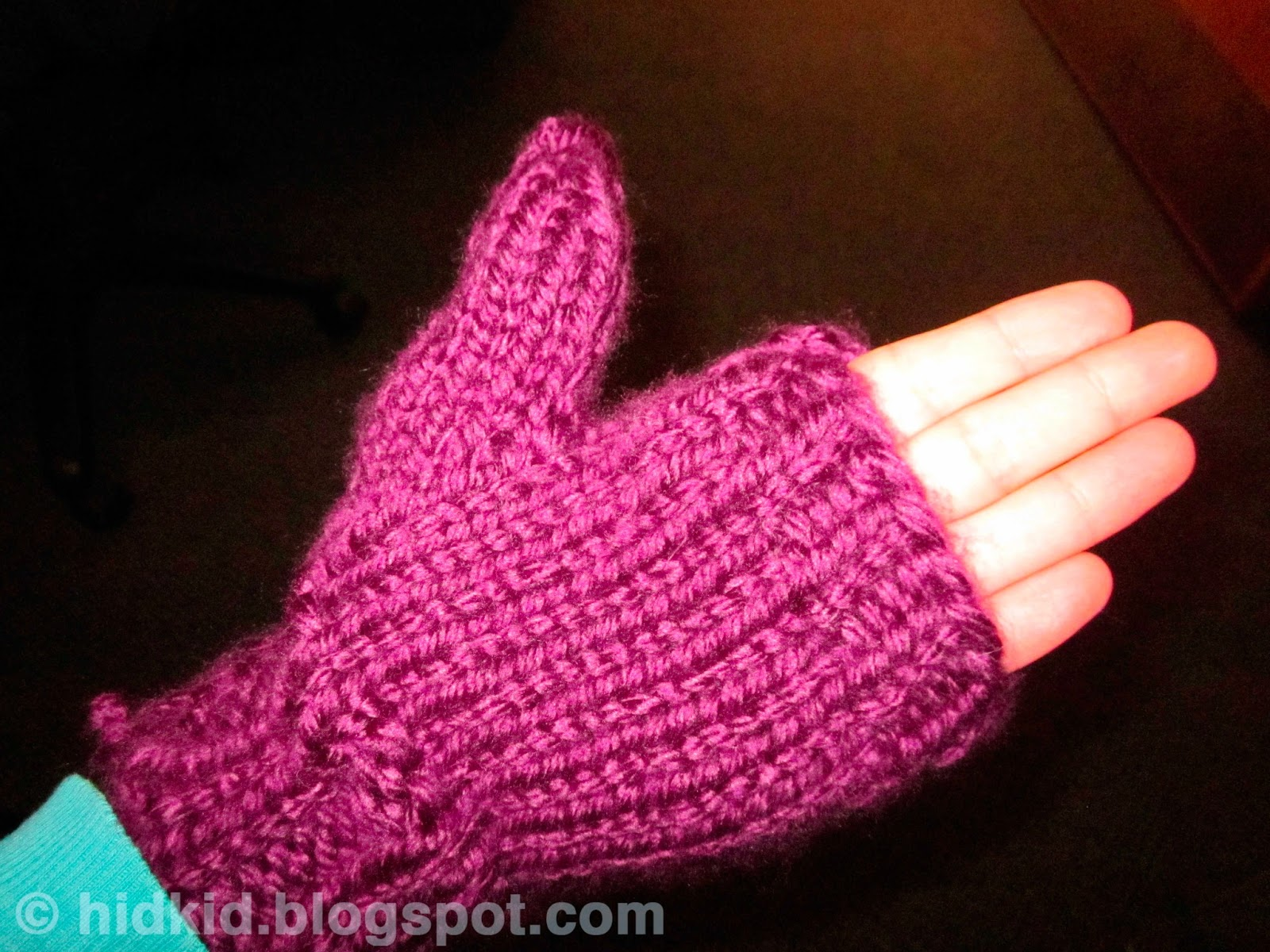 Knitting Pattern For Mittens With Flaps : Craftimism: Mittens with Flaps - tutorial