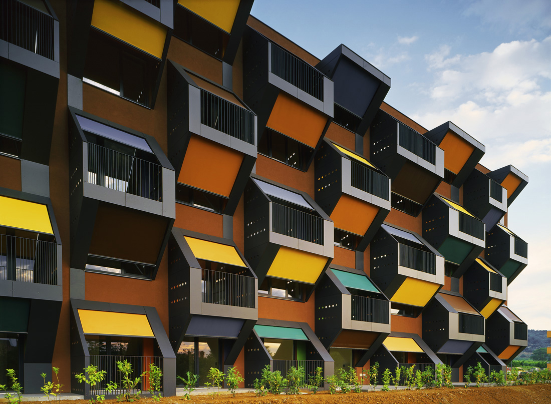 Lacrudarealt l 39 evoluzione della casa popolare in 39 social - Riscatto casa popolare ...
