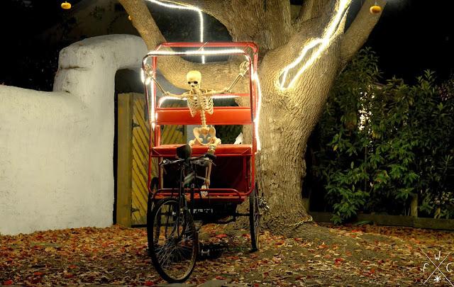 Squelette en vélo - Halloween
