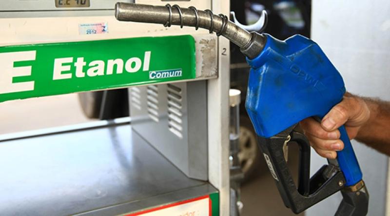 Projeto aprovado no Senado pode baixar preço do etanol