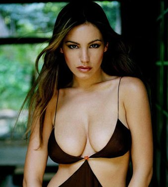 Kelly Brook Piranha