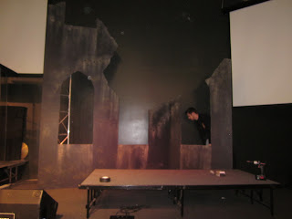 How to build life size building ruins for stage design