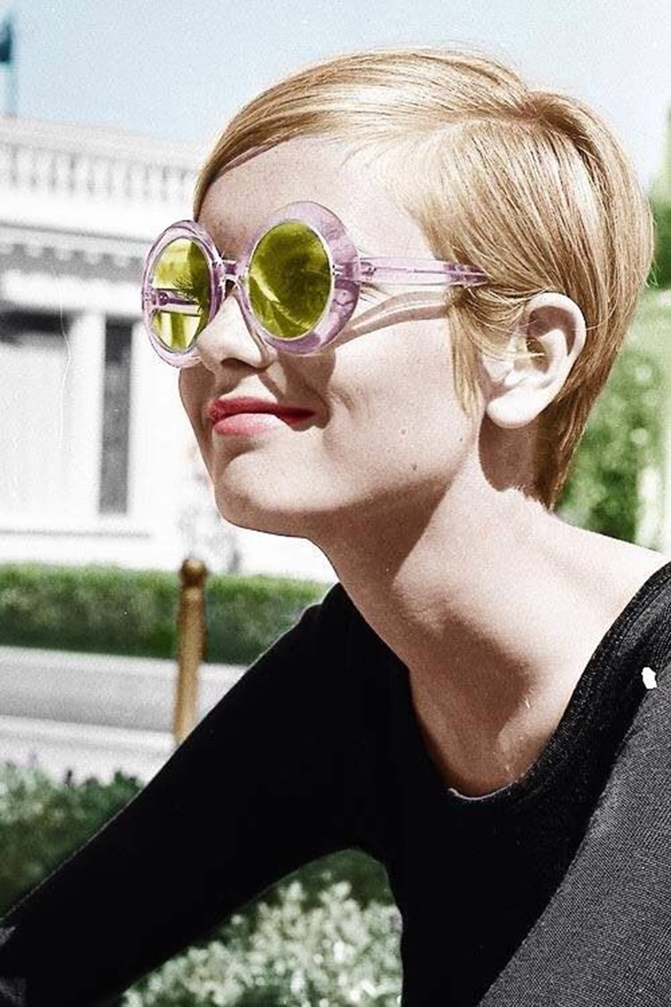 Twiggy, 60s style fashion icon, pixi mod hair cut
