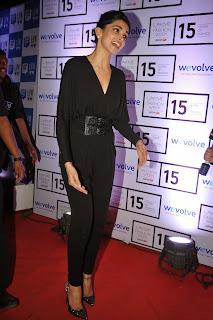 Deepika Padukone Latest Pictures in Black Dress at Lakme Fashion Week 2015